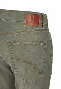 Club of Comfort - Slim fit jeans - grün - 3