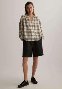 OYSHO - Shorts - black - 1
