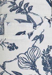 DL1961 - MARA MID RISE INSTASCULPT ANKLE - Džíny Slim Fit - white - 2