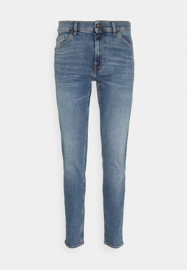 EVOLVE - Jeansy Slim Fit - dust blue