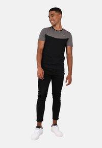 le coq sportif - TECH TEE N1 - T-SHIRT - Print T-shirt - black - 1