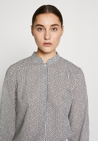 Marc O'Polo - BLOUSE STAND UP COLLAR  - Camisa - soft white - 5