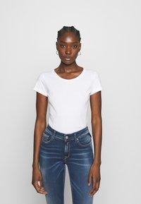 Replay - 2 PACK - T-shirt basic - natural white/quartz rose - 3