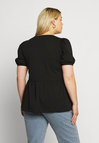 ONLY Carmakoma - CARANNI PUFF - Print T-shirt - black - 2