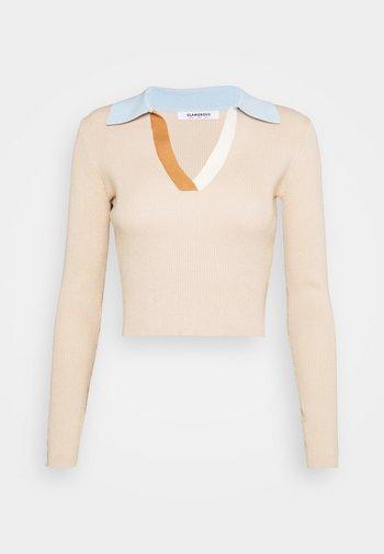 Stickad tröja - beige multi
