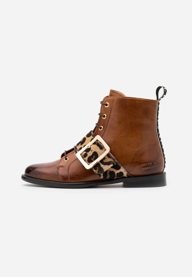 SELINA - Šněrovací kotníkové boty - wood