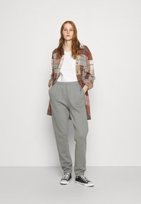 Nly by Nelly - COZY PANTS - Tracksuit bottoms - gray/blue - 1