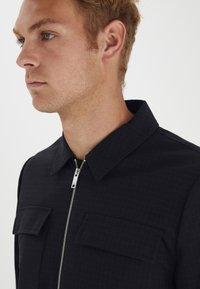 Casual Friday - BOBBY WITH ZIPPER - Light jacket - navy blazer - 3