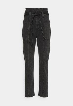 ONYMAYA LIFE CARROT - Slim fit jeans - black