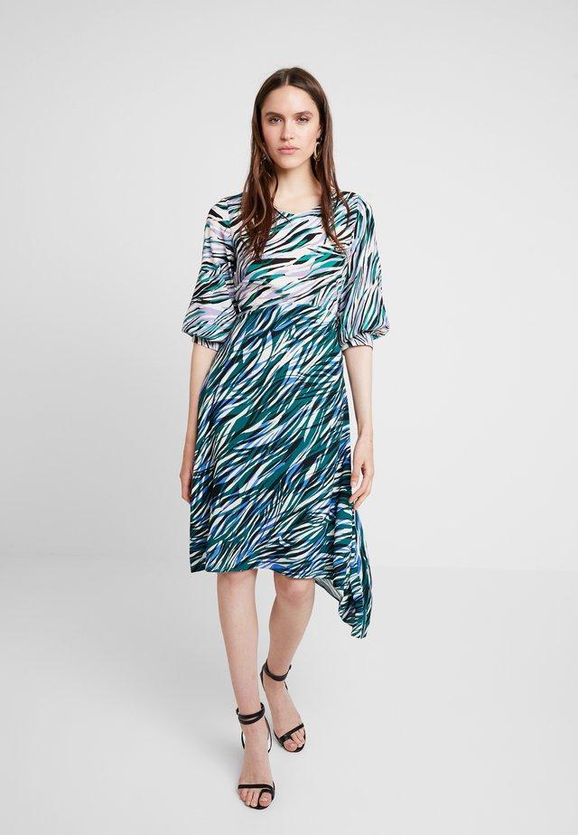 CLOSET PUFF SLEEVE HANKY HEM DRESS - Korte jurk - green