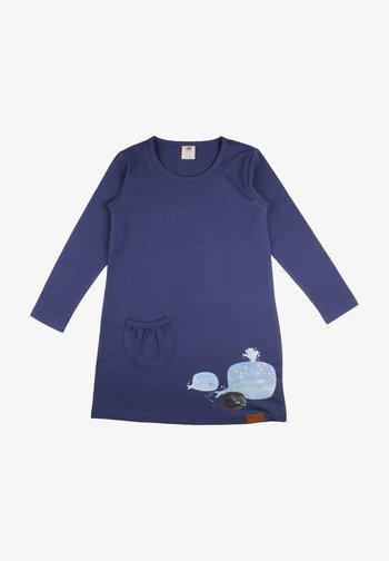 Žerzejové šaty - baby whales
