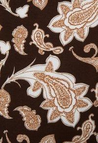 Glamorous Petite - RUFFLE MINI DRESSES WITH PUFF LONG SLEEVES - Hverdagskjoler - dark brown - 2