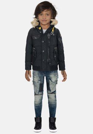 MIT PRAKTISCHEN TASCHEN - Winter jacket - black
