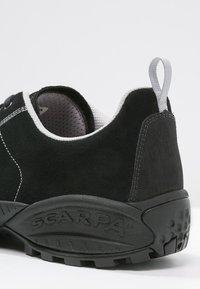 Scarpa - MOJITO UNISEX - Hiking shoes - black - 5