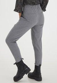 PULZ - PXVICTORIA SPECIAL FAIR OFFER - Trousers - medium grey melange - 2
