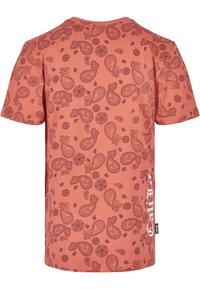 Cayler & Sons - CALI PAIZ TEE - Print T-shirt - coral/mc - 1