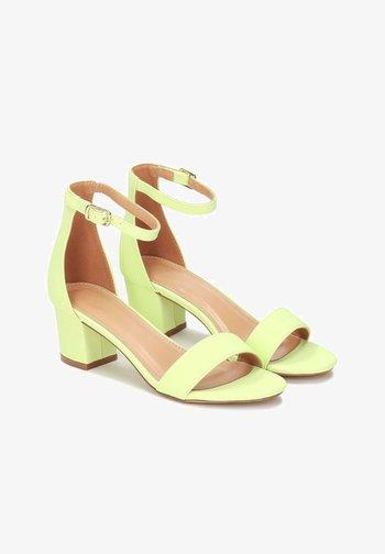 MAKIRA - Ankle cuff sandals - pistachio