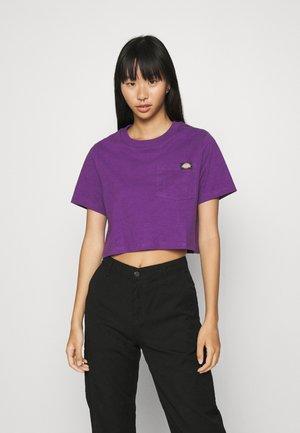ELLENWOOD - Print T-shirt - deep purple