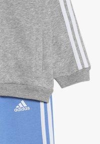 adidas Performance - LOGO FULL ZIP HOODED TRACKSUIT BABY SET - Tepláková souprava - mottled light grey/blue - 3