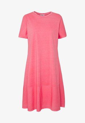 FAB MIX DRESS - Jerseyklänning - coral