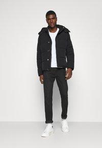 Calvin Klein - CRINKLE  - Zimní bunda - black - 1