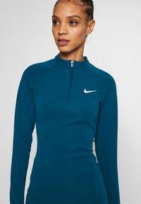 Nike Sportswear - W NSW ESSENTIAL LS - Vestido de tubo - valerian blue/(white) - 4