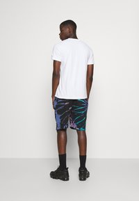 Mennace - SUNDAZE TIE DYE REGULAR SHORT - Shorts - multi - 2