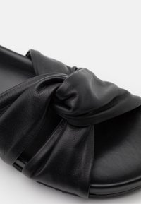 CLOSED - KYOMI - Mules - black - 6
