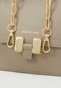 Maison Hēroïne - MARLENE PETITE - Handbag - taupe - 4