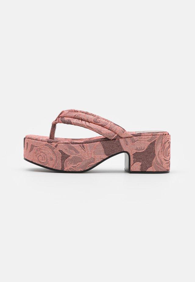 LUAU - Sandalias de dedo - pink/rose