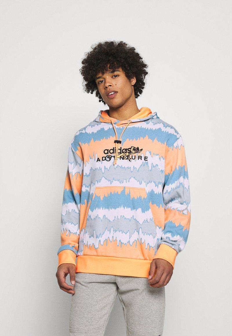 adidas Originals - HOODY UNISEX - Sweatshirt - hazy orange/multicolor