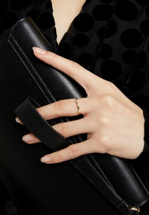 9KT YELLOW GOLD CERTIFIED DIAMOND ILLUSION PLATE RING - Pierścionek - gold-coloured