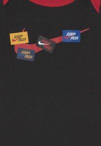 Jordan - SET UNISEX - Print T-shirt - black - 2