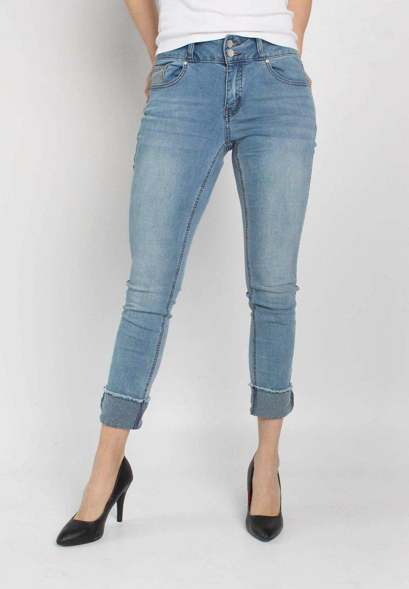 Buena Vista - TUMMYLESS  - Slim fit jeans - blue