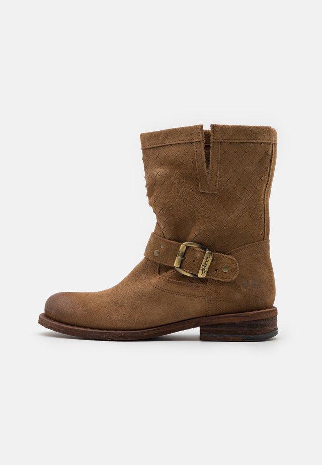 GREDO - Cowboy/biker ankle boot - marvin stone
