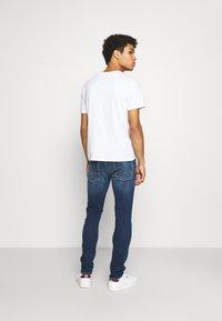 Replay - ANBASS HYPERFLEX RE-USED - Jeans slim fit - dark blue denim - 2