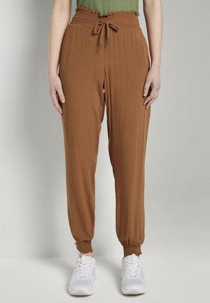 FLUID HAREMS PANTS - Trousers - mango brown