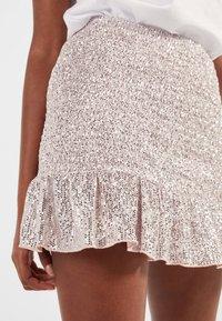 Bershka - MIT GLITZER  - A-line skirt - pink - 3