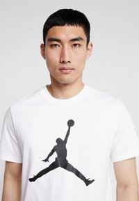Jordan - T-shirts print - white/black - 3