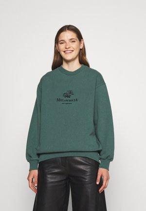 RELAXED CREW - Sweatshirt - dusty green