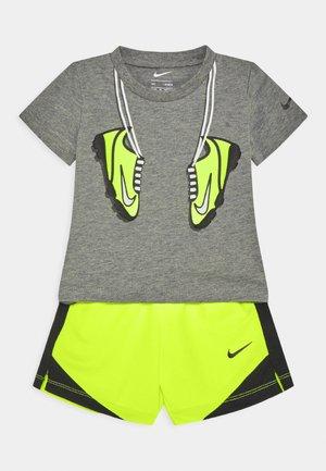 SET - Shorts - volt