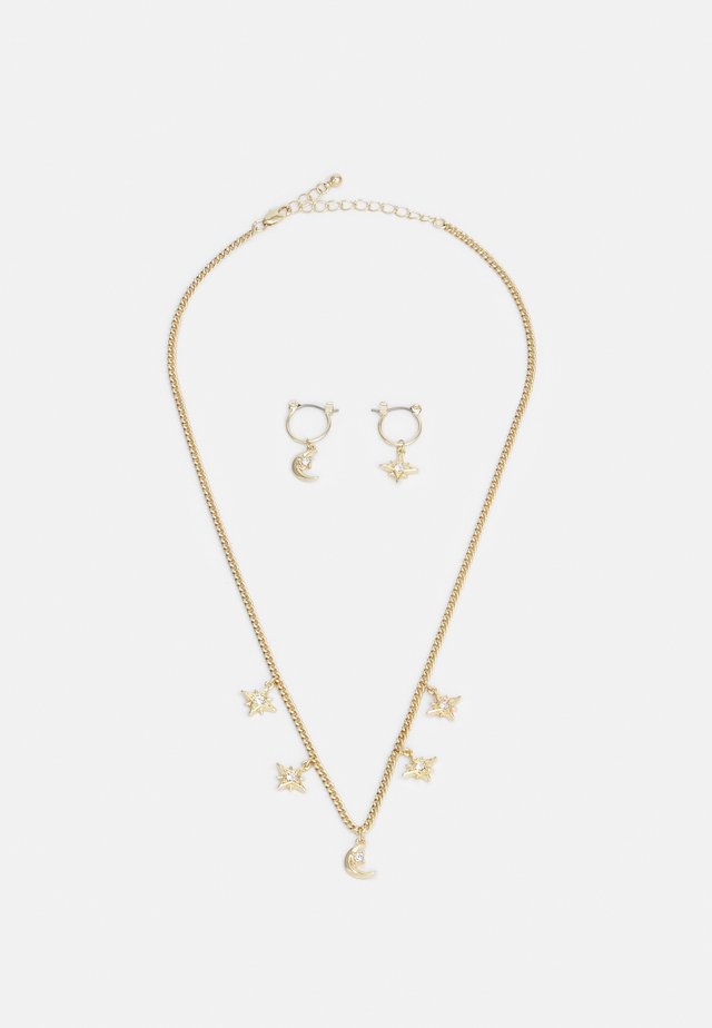 PCLADY EARRINGS NECKLACE SET - Orecchini - gold-coloured/clear
