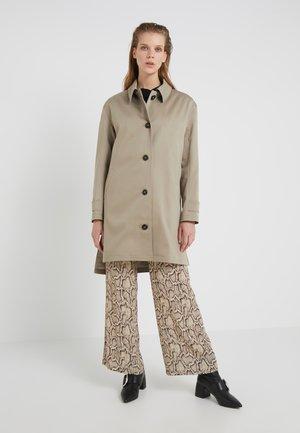 CHERRY - Zimní kabát - burlywood