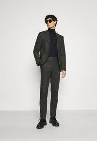 Shelby & Sons - CRANBROOK SUIT - Suit - khaki - 1