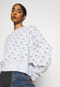 Nike Sportswear - CREW - Sweatshirt - pure platinum - 4