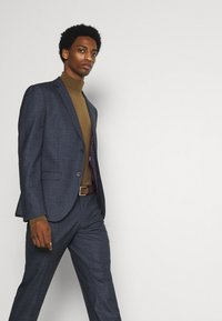 Isaac Dewhirst - CHECK SUIT - Suit - dark blue - 5