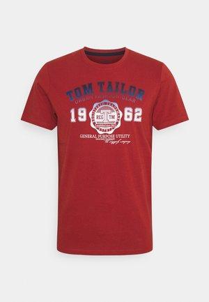 LOGO TEE - T-shirts print - chili oil red