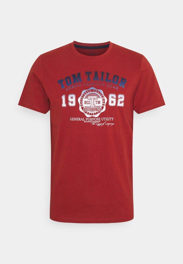 LOGO TEE - T-shirt print - chili oil red