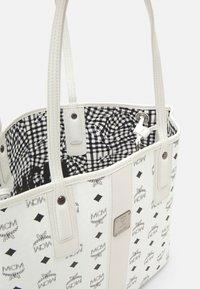 MCM - SHOPPER PROJECT VISETOS MEDIUM SET - Tote bag - white - 3