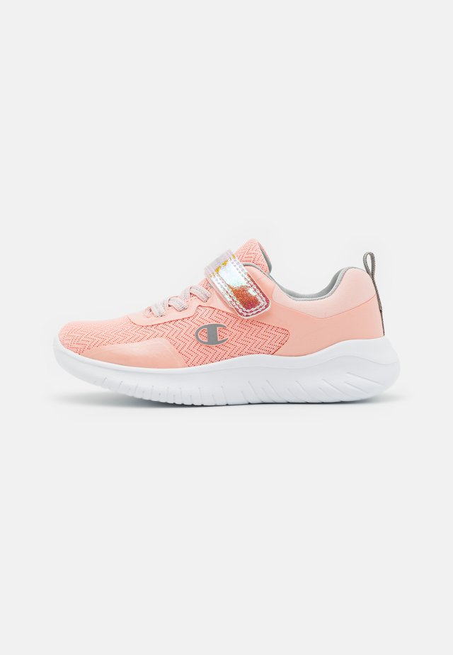 LOW CUT SHOE SOFTY EVOLVE UNISEX - Sports shoes - pink/silver
